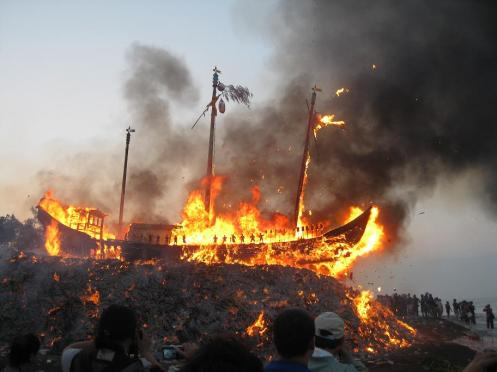 Boat Burning 19